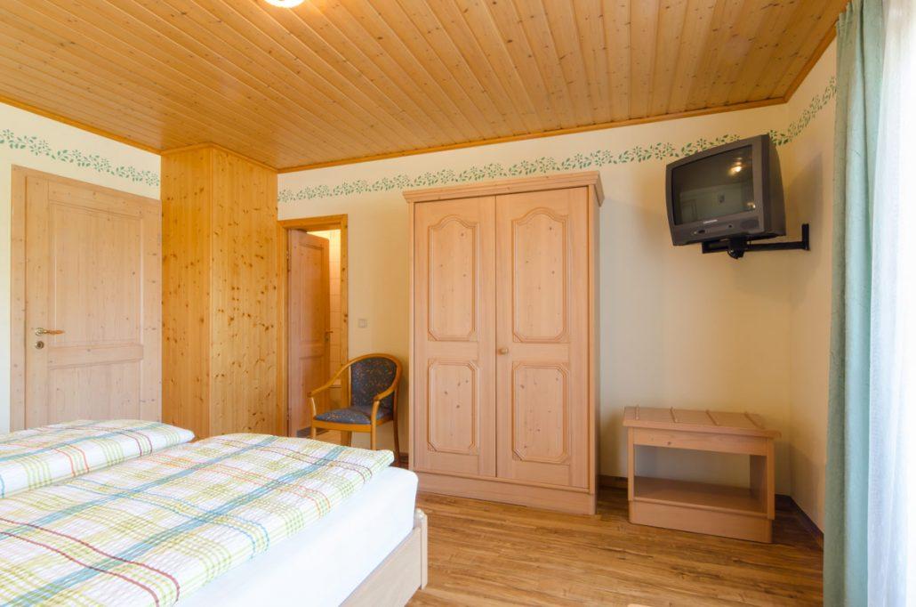 Zimmer Landhaus Landgasthof Richter In Leutzdorf Bei Gossweinstein